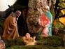 Natale: contemplare il mistero del nostro Dio che viene